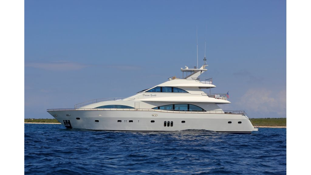 Dream motor yacht (1)