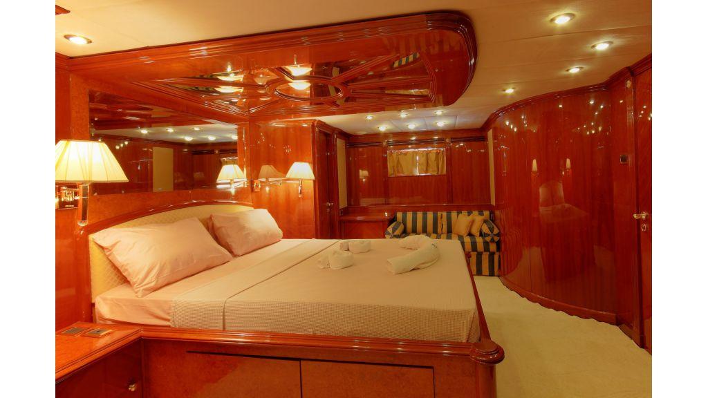 Dream motor yacht (32)