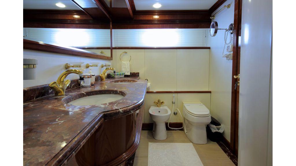 Dream motor yacht (34)