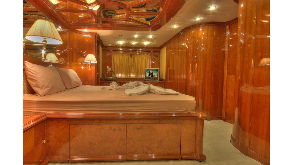 Dream motor yacht (40)