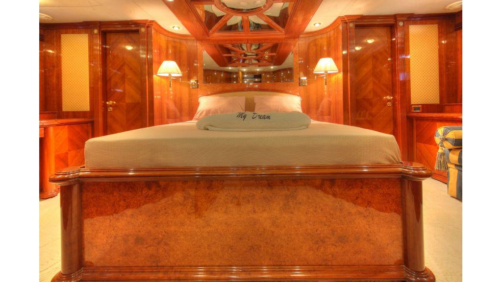 Dream motor yacht (9)