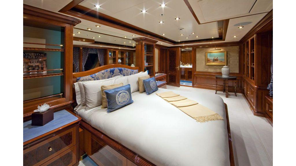 Titania mega yacht (11)