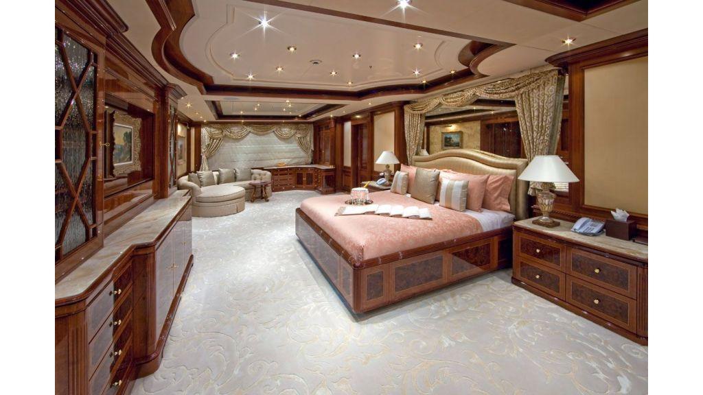 Titania mega yacht (12)