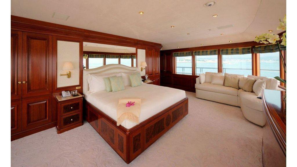 Titania mega yacht (16)