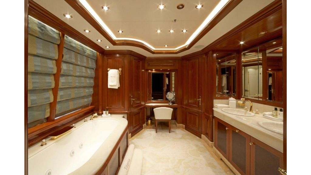 Titania mega yacht (22)