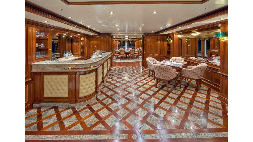 Titania mega yacht (4)