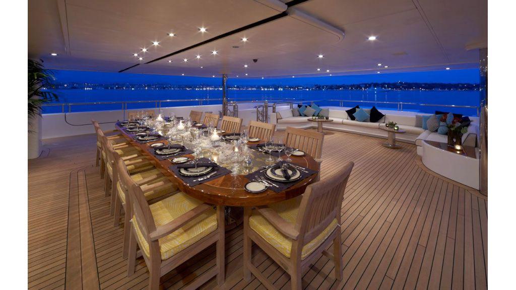 Titania mega yacht (5)