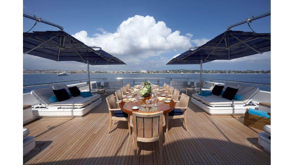 Titania mega yacht (6)