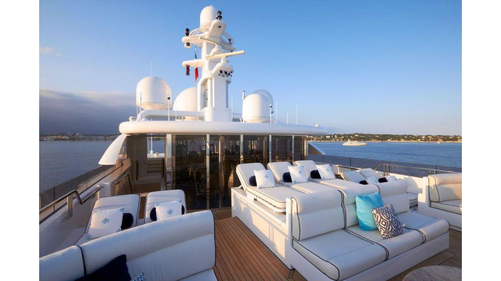 Titania mega yacht (7)