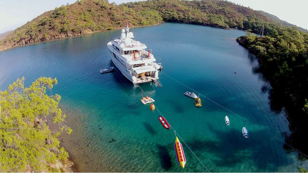Alumercia Motor Yacht-master.