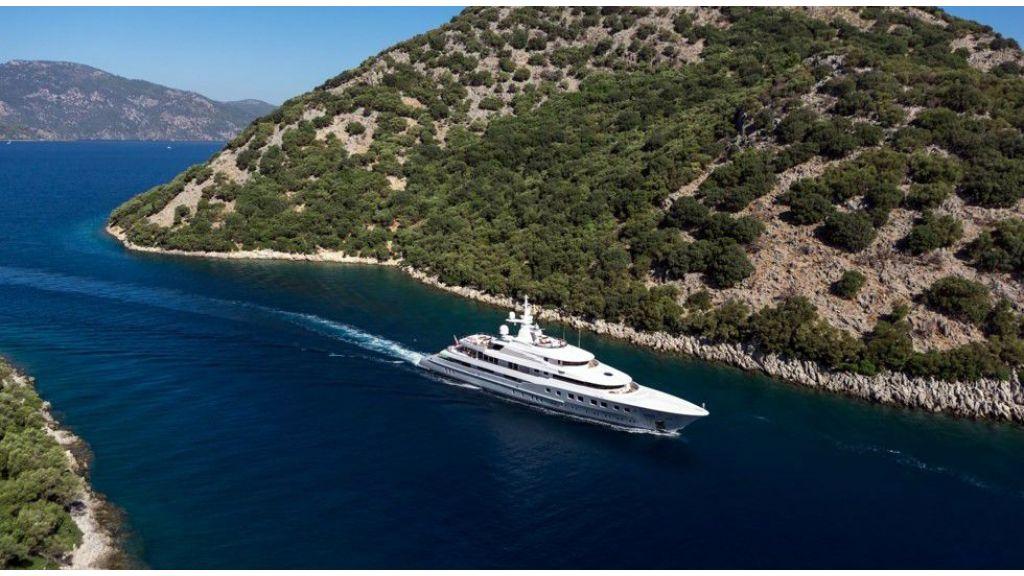 Axioma- Mega Yacht (22)
