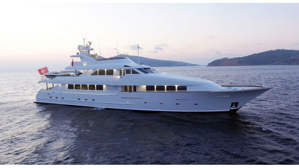 Destıny Luxury Motor Yacht (6)