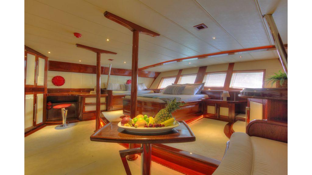 nautilus-sailing-yacht master