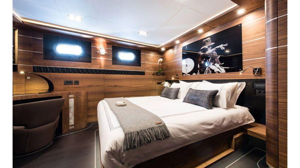 Rox-Star-Sailing Yacht (2)