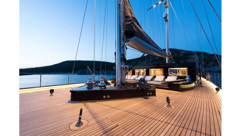 Rox-Star-Sailing-Yacht