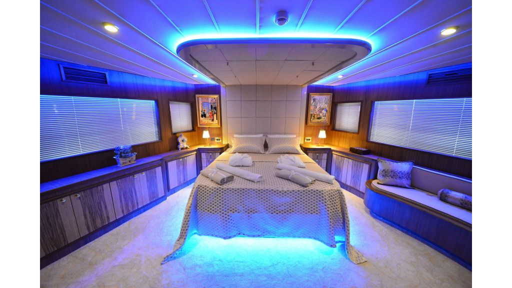 Simay F-Custom-motor yacht (1)