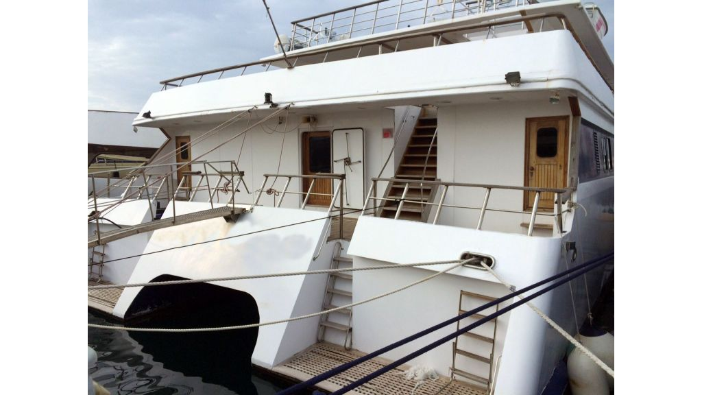cruising-catamaran-for-sale (3)