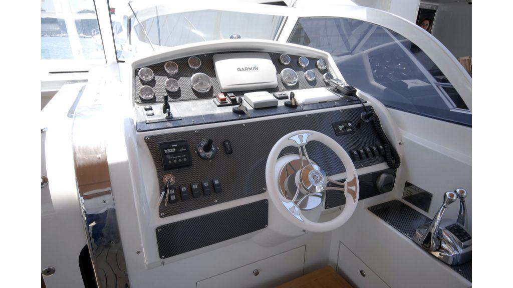 Cyssus Motor Yacht (1)