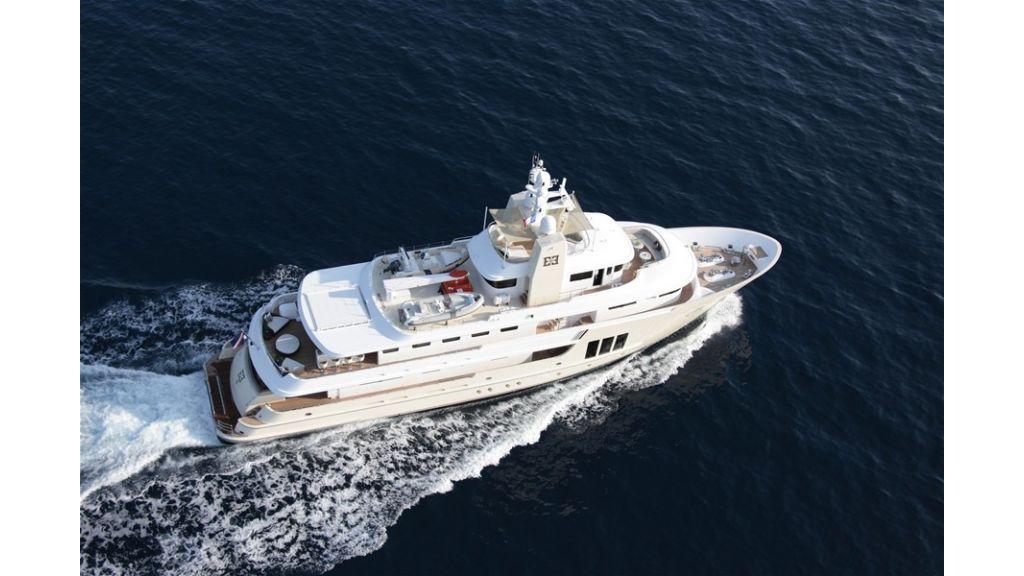 E&E Luxury Motor Yacht (2)