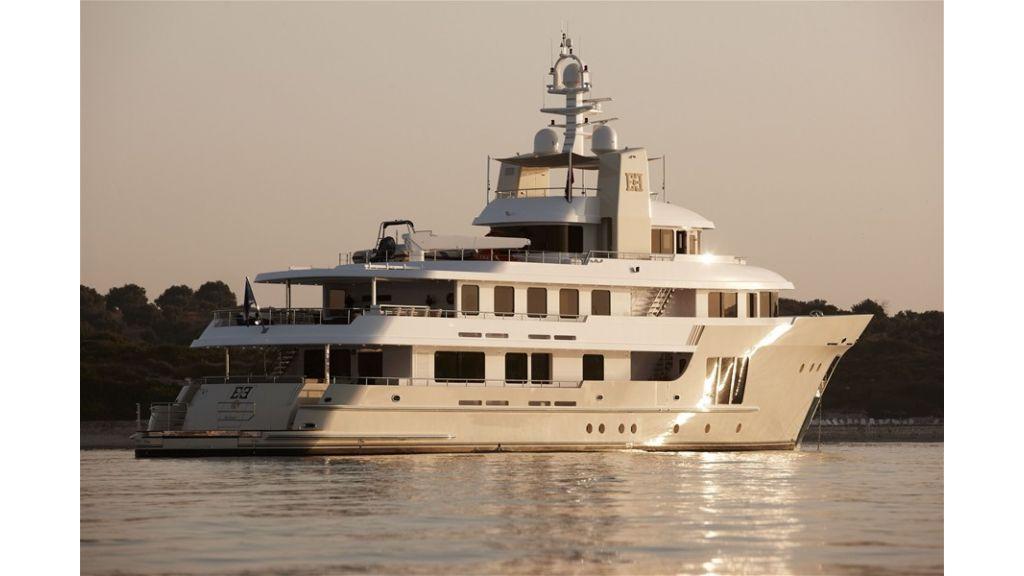 E&E Luxury Motor Yacht (20)