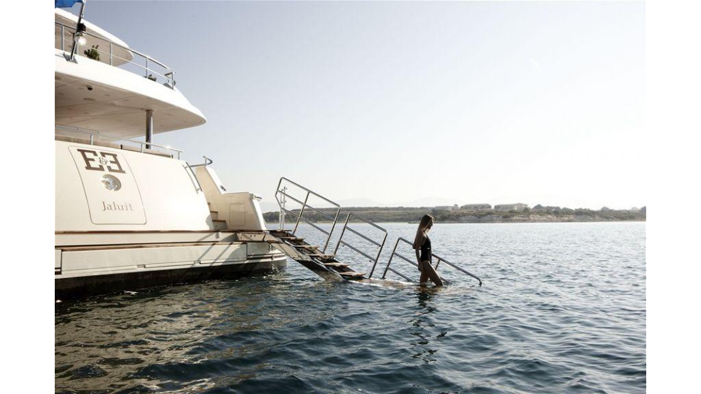E&E Luxury Motor Yacht (21)