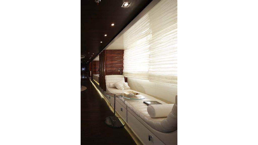 E&E Luxury Motor Yacht (31)
