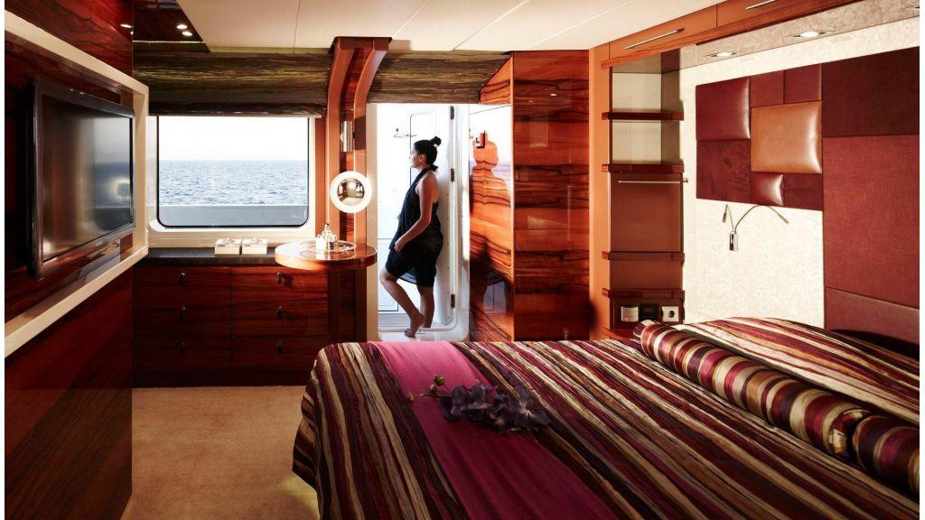 E&E-Luxury-Motor Yacht (39)