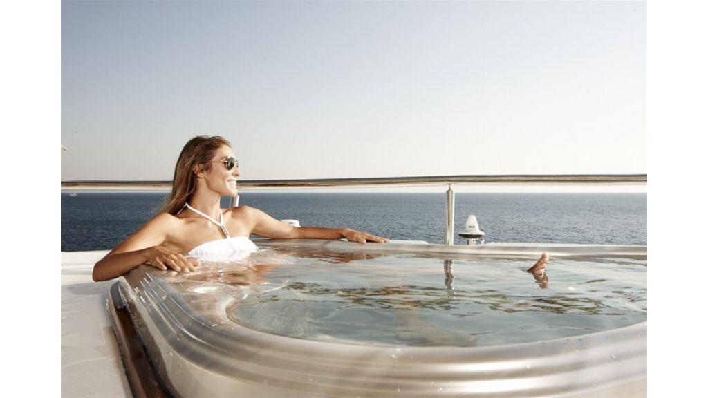 E&E Luxury Motor Yacht (9)