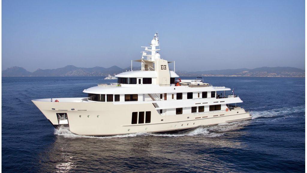 E&E-Luxury-Motor Yacht  master (35)