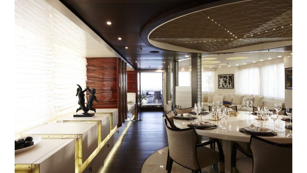 E&E Luxury Motor-Yacht master