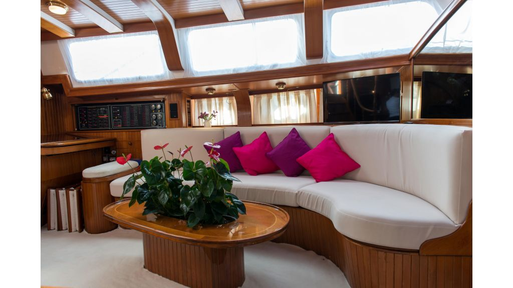 Lady Nathalie Luxury Sailing Yacht (32)