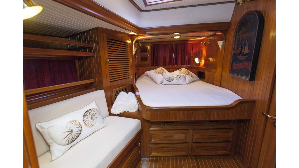 Lady Nathalie Luxury Sailing-Yacht master
