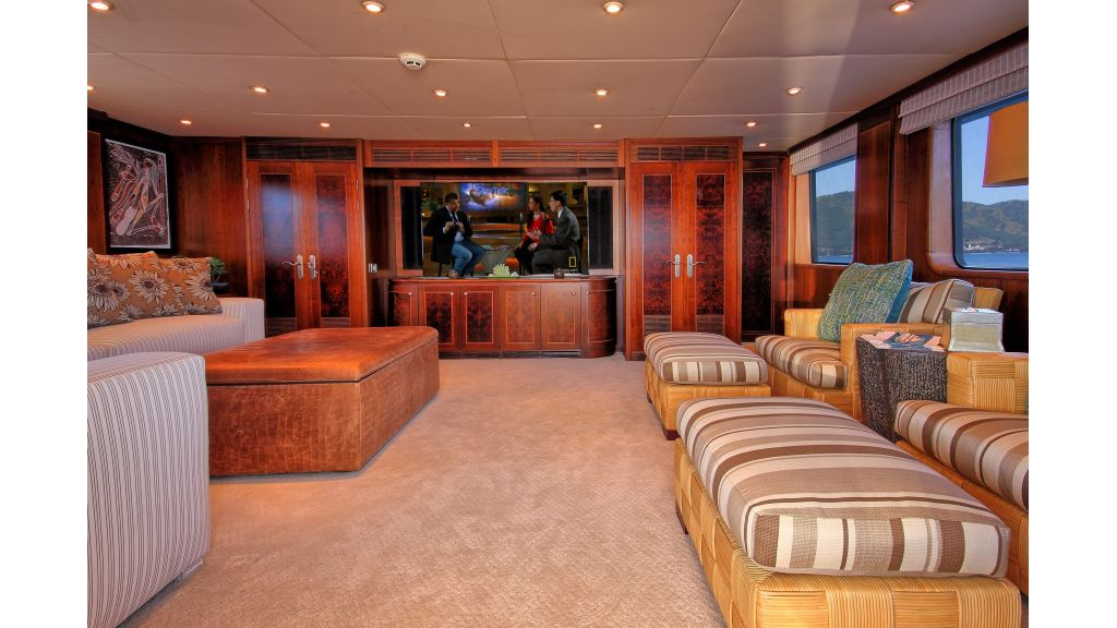 Monte-Carlo-Luxury Motor Yacht (3)