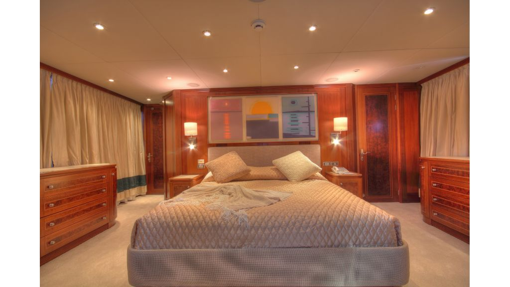 Monte-Carlo-Luxury Motor Yacht (5)