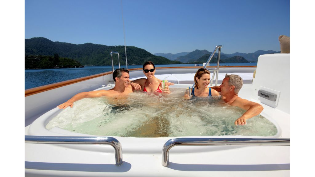 Monte-Carlo-Luxury Motor Yacht-master