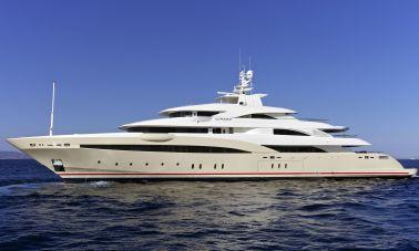 opari-3-supr-yacht