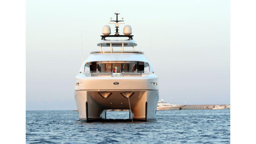 Quaranta catamaran bow
