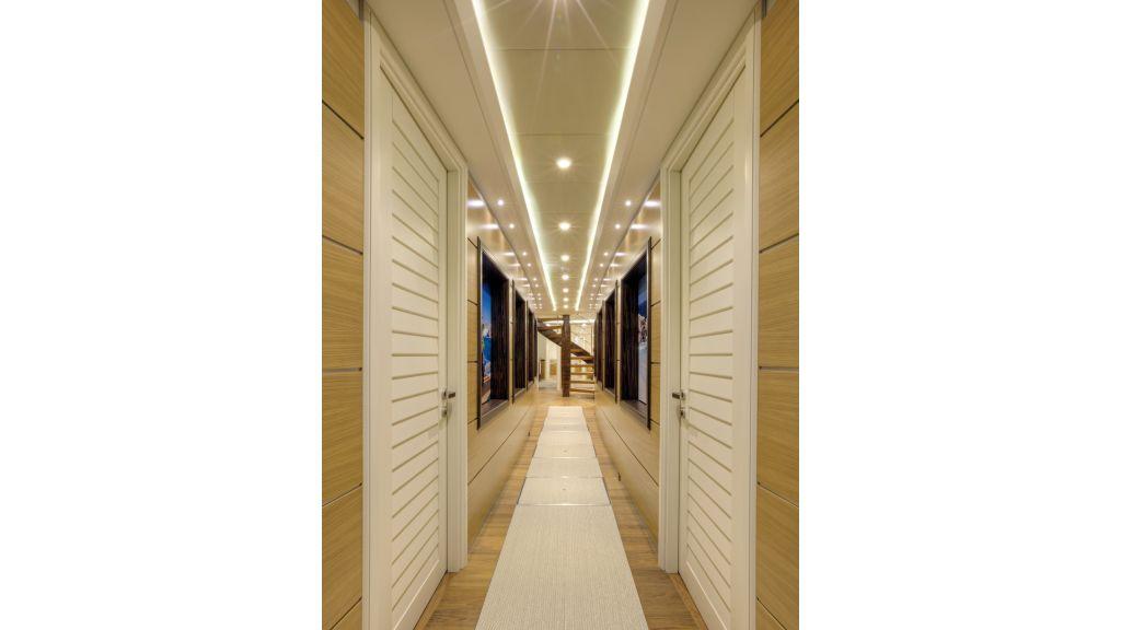 Quaranta deck hall