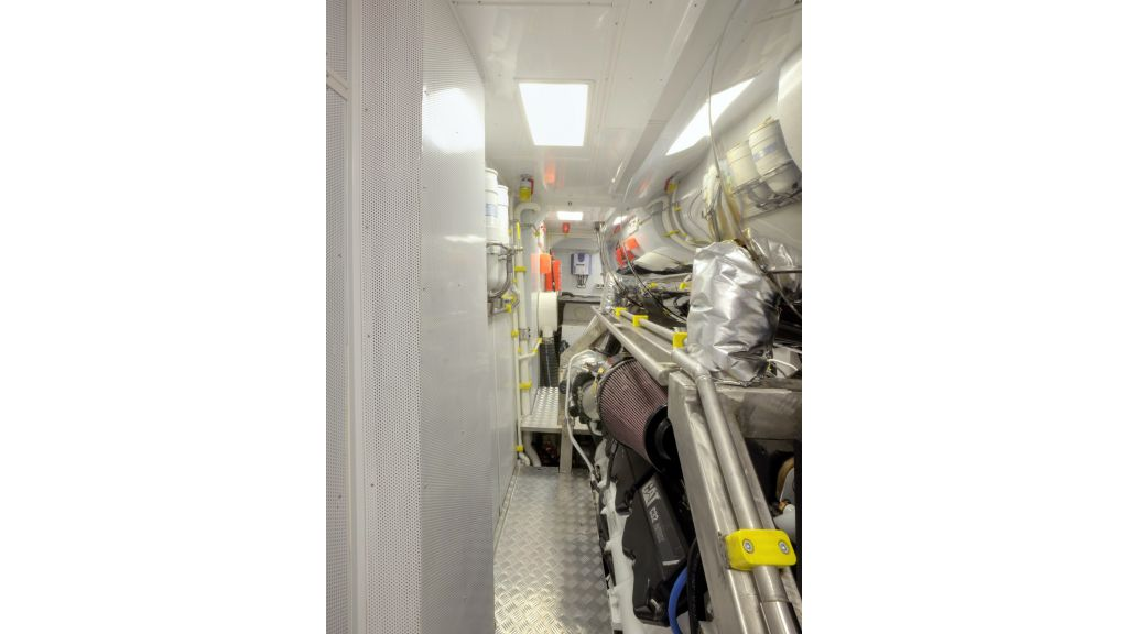 Quaranta Engine room (2)