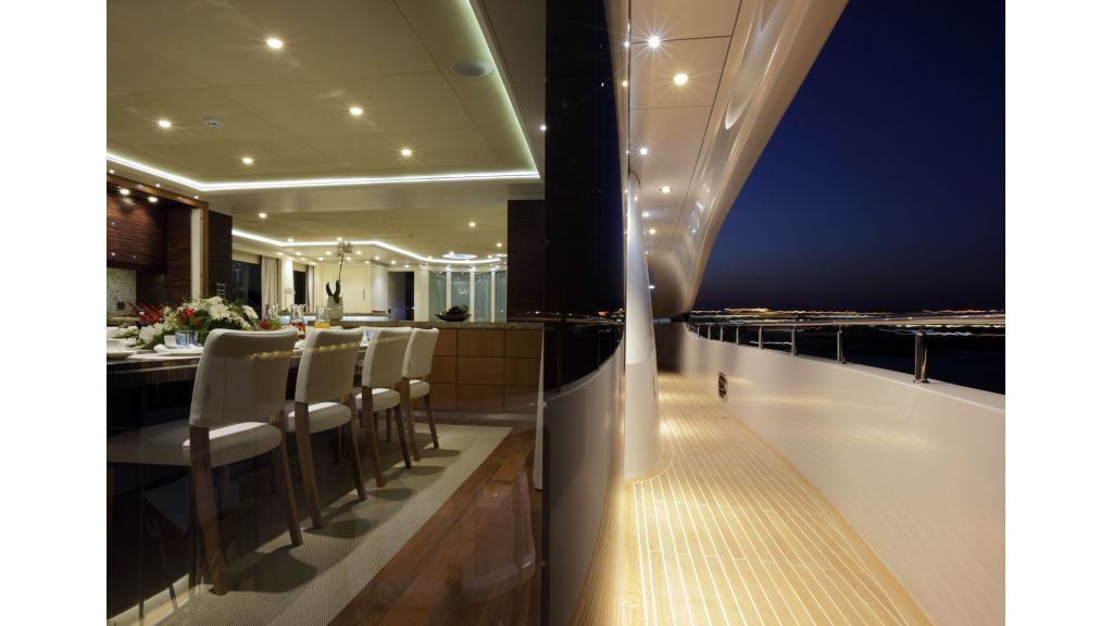 Quaranta Saloon Deck