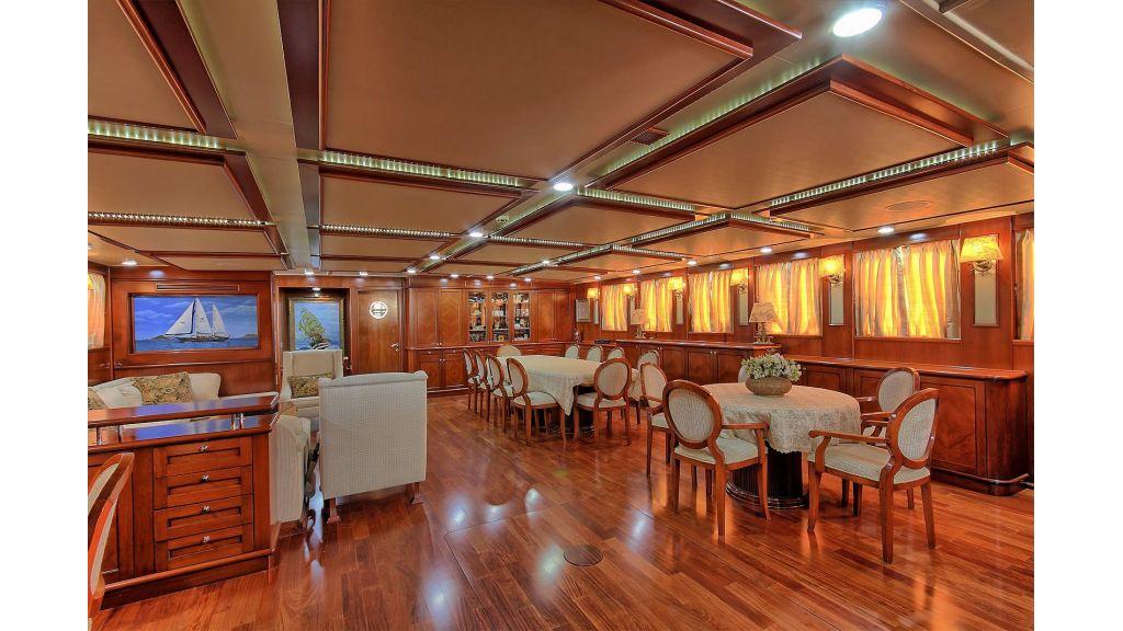 Sea Dream luxury Gulet Charter master,