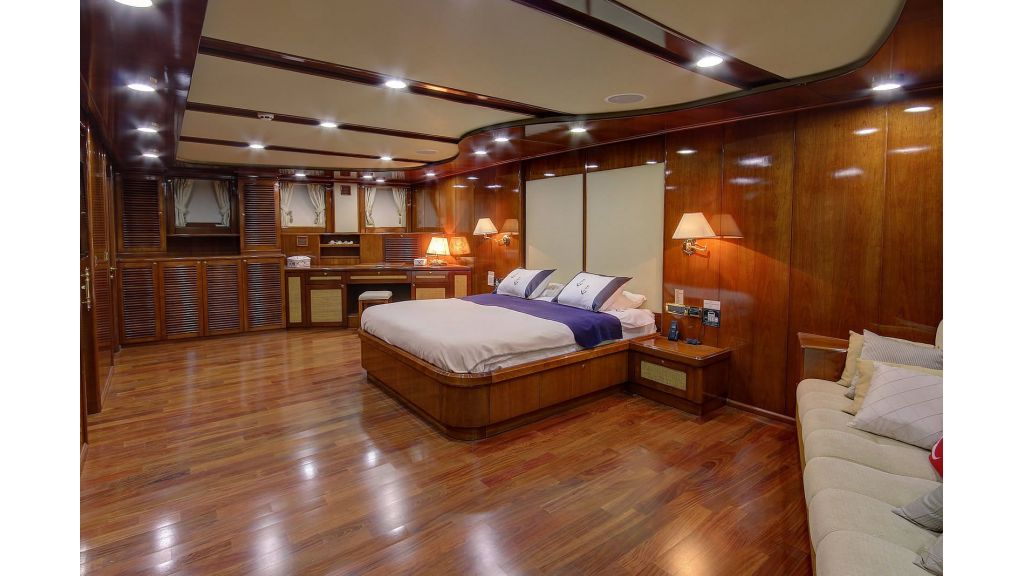 Sea Dream luxury Gulet-Charter-master