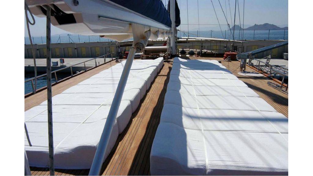 Sea Dream Luxury Motor Sailor (10)