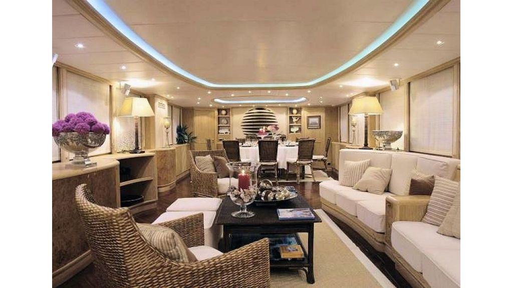 Sophisticated luxury yacht (30)