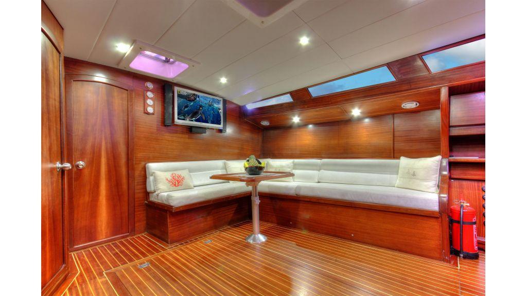Famaza sailing yacht (13)