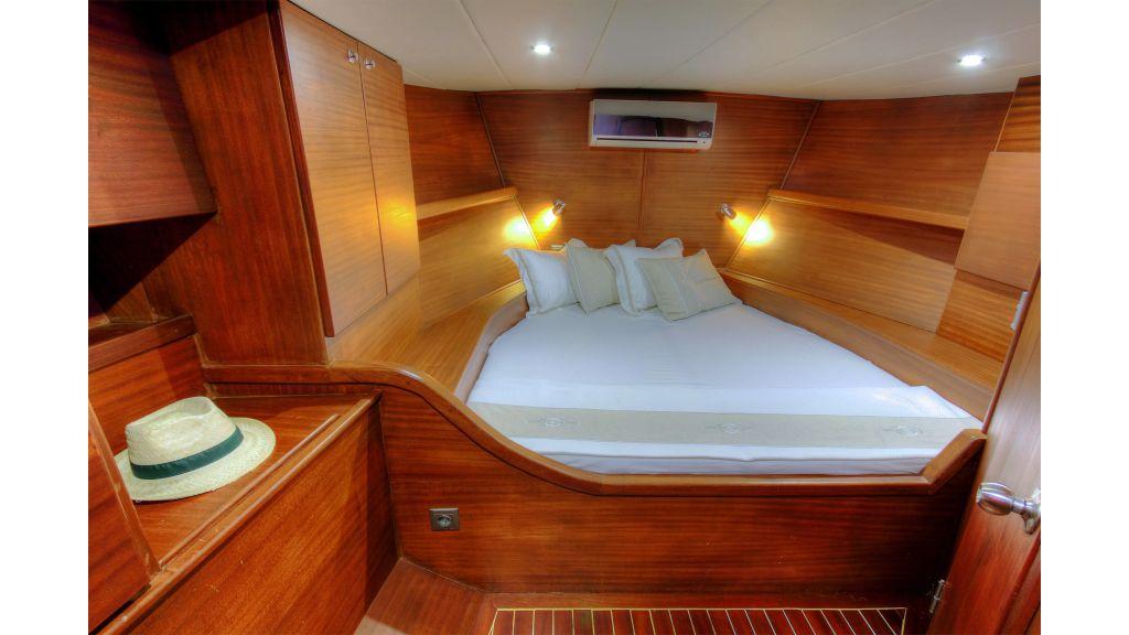 Famaza sailing yacht-master