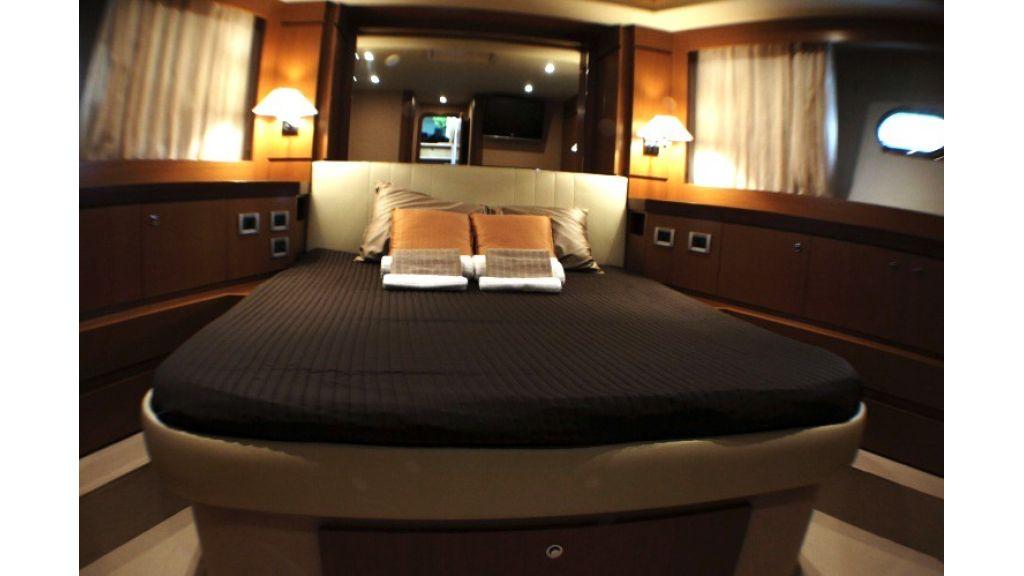Ferretti Altura Motor Yacht (10)