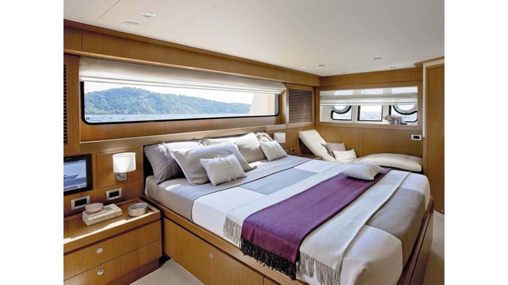 Ferretti Altura Motor Yacht (2)