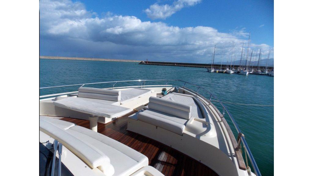 Ferretti Altura Motor Yacht (6)