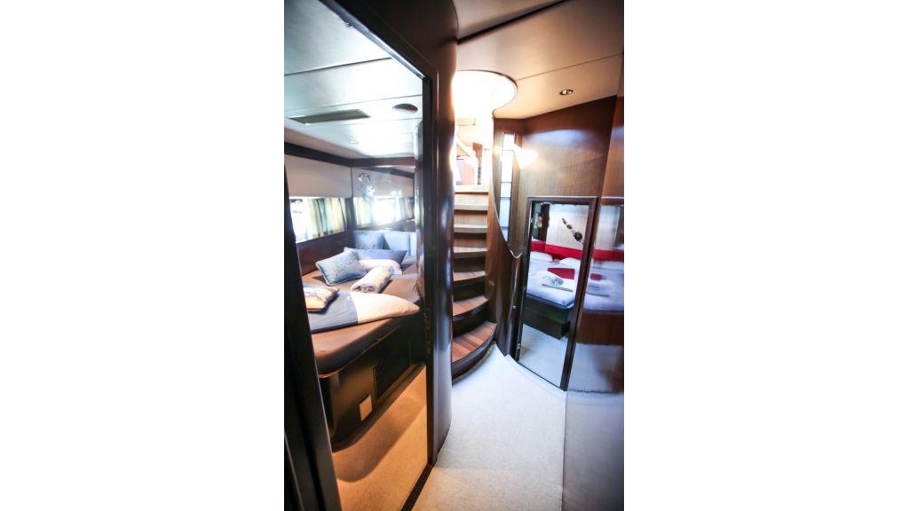 Mira Mare Luxury Motor Yacht (13)